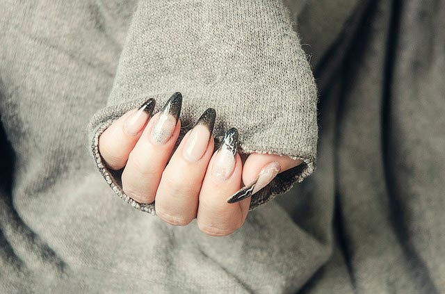 Сколько растут ногти на руках