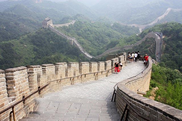 сколько километров китайская стена