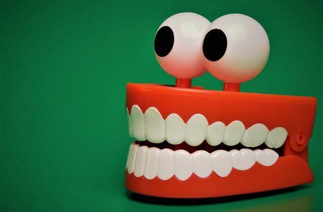 сколько зубов должно быть у человека